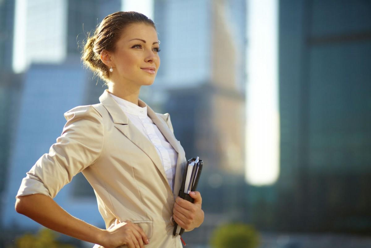 Şık İş Kadınlarına Kombin Önerileri